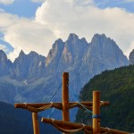 Blick vom See in die Dolomiti die Benta